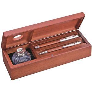 Набор настольный с чернильницей (ручки в набор не входят); 24,5х8,5х5,5 см; красное дерево; шильд